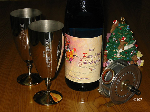 051225nouveau_wine.jpg